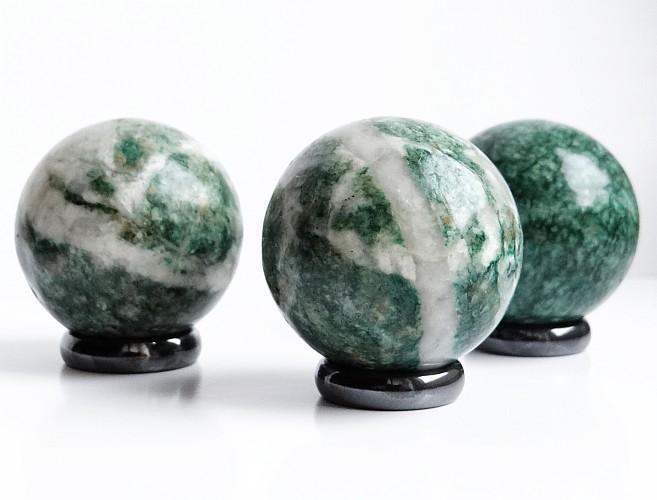 kule z kamienia naturalnego