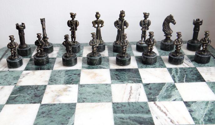 szachy kamienne